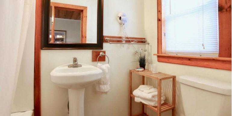 BUXNC05a Bathroom