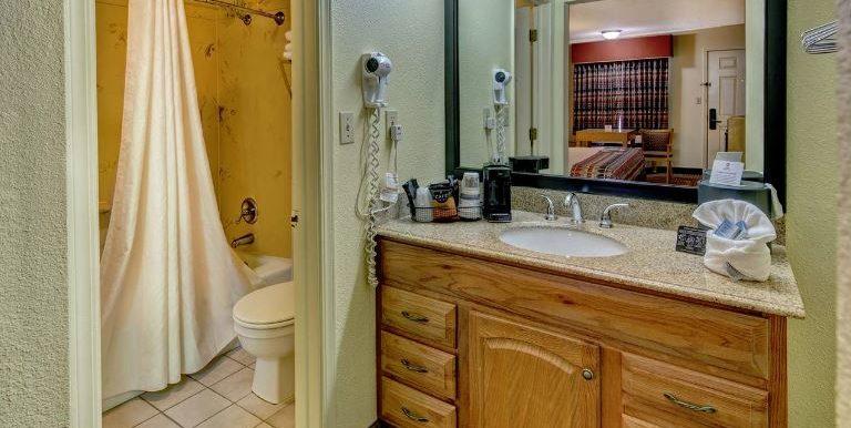 RUSAR05 BAthroom