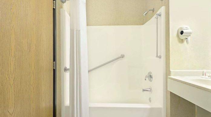 BONMO06a Bathroom