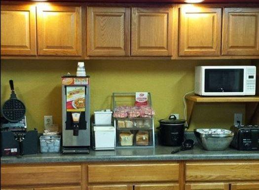 KINMO-05b Breakfast Room